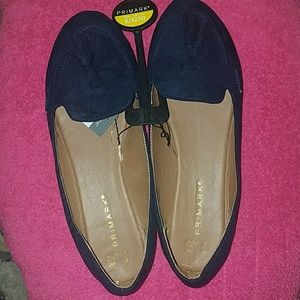 NWT Beautiful Navy blue loafers